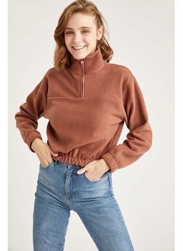DeFacto Dik Yaka Fermuarlı Polar Crop Sweatshirt. Kahve